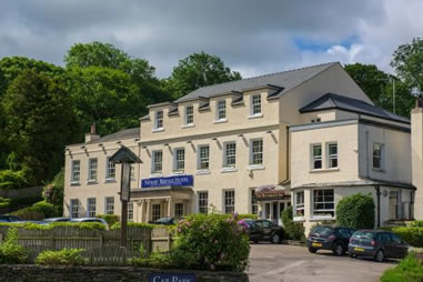 The lake district wordsworth and windermere for Hotels in lake windermere with swimming pool